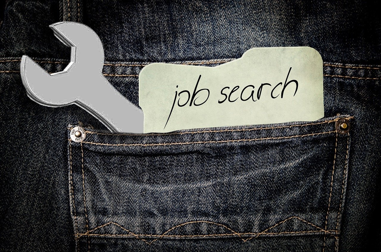 How to Write a Resume -- paper that says job search